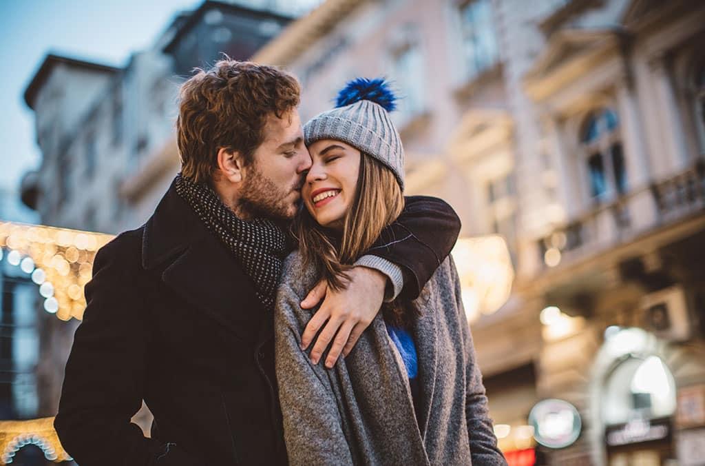 descubre en qué estación del año encontrarás pareja