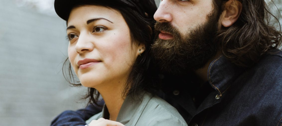 7 señales de que tu novio/a te oculta un secreto